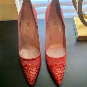 Crocodile & silk PRADA pumps. Pink size 40